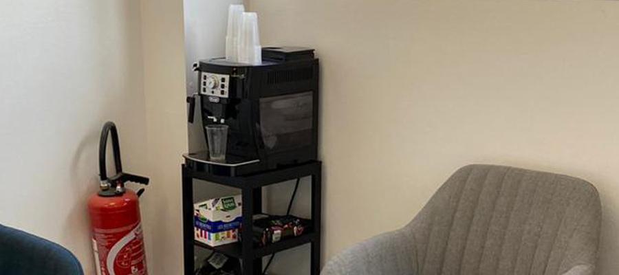 Le centre d'Angers Orgemont vous offre confort et café en attendant la fin de votre contrôle technique