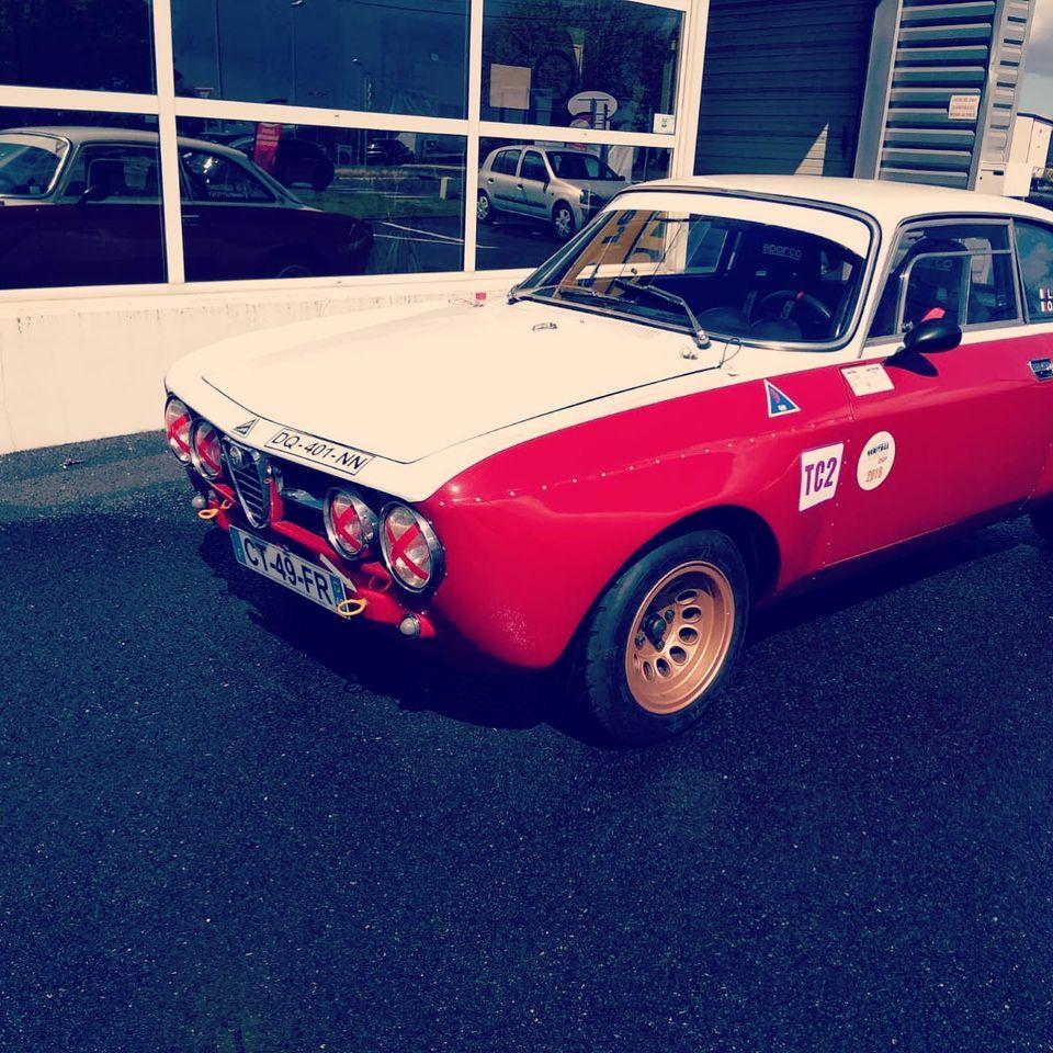 Alfa 1750 GTAM de 1969 Vue 3/4 avant contrôlée au Contrôle technique automobile, contrôle technique camping cars et contrôle technique utilitaires jusqu'à 3.5 T à Varades