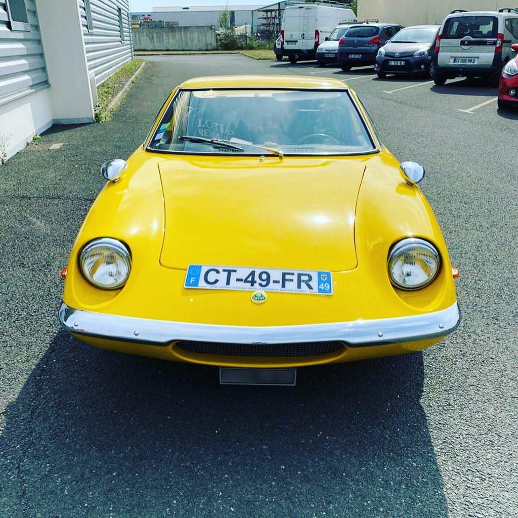 Lotus Europa Vue avant contrôlée au Contrôle technique automobile, contrôle technique camping cars et contrôle technique utilitaires jusqu'à 3.5 T à La Pommeraye