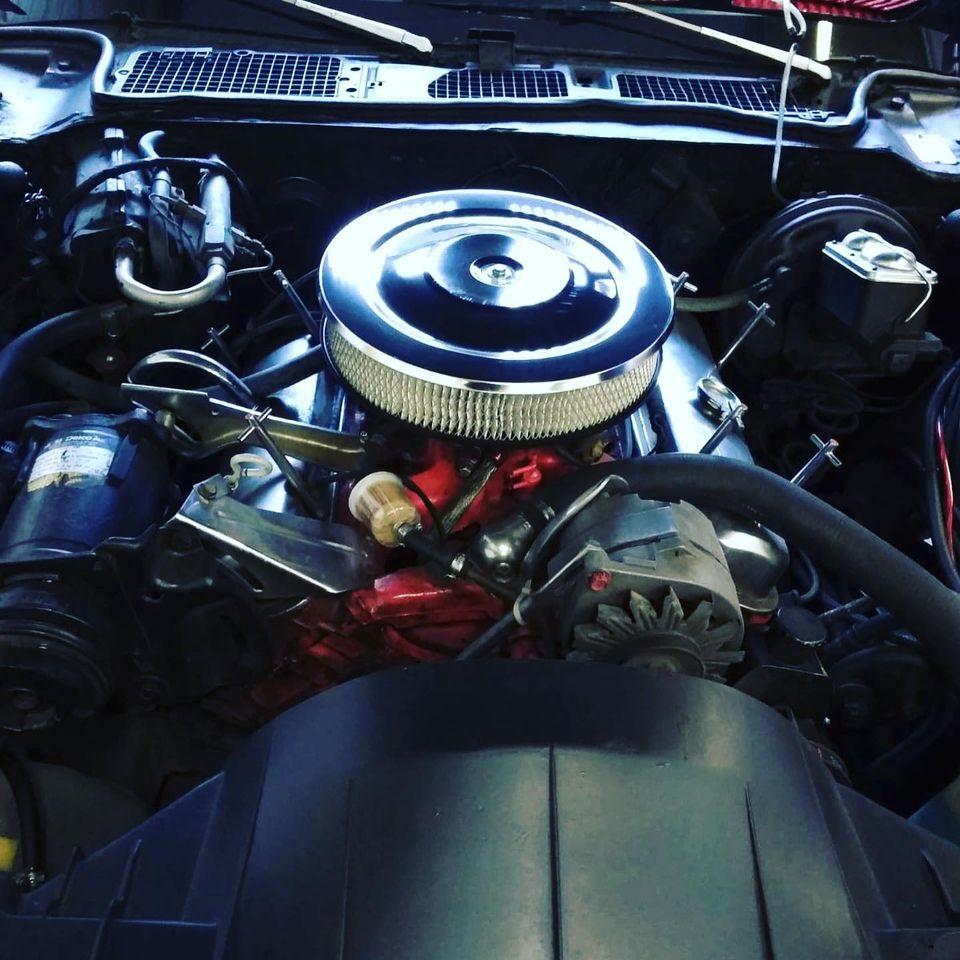 Pontiac Firebird Formula 350 de 1971 Vue moteur contrôlée au Contrôle technique automobile, contrôle technique camping cars et contrôle technique utilitaires jusqu'à 3.5 T à Varades